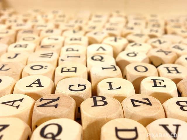 Palabras polisémicas en varios idiomas : un reto para la traducción